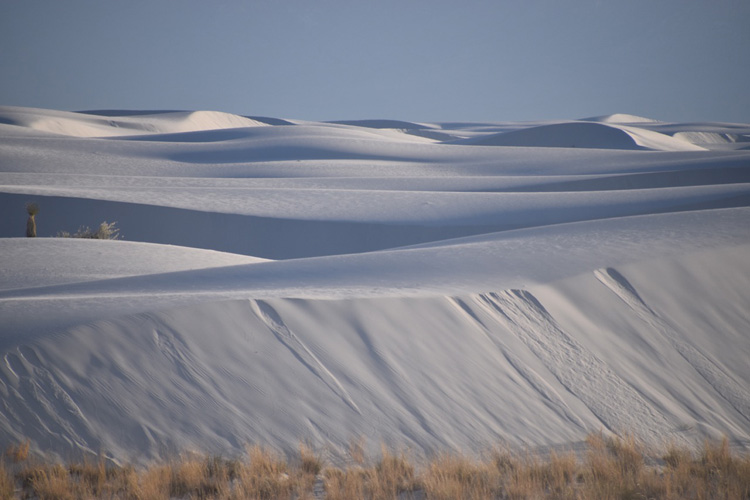 The spell-binding geometries of the White Sands National Monument
