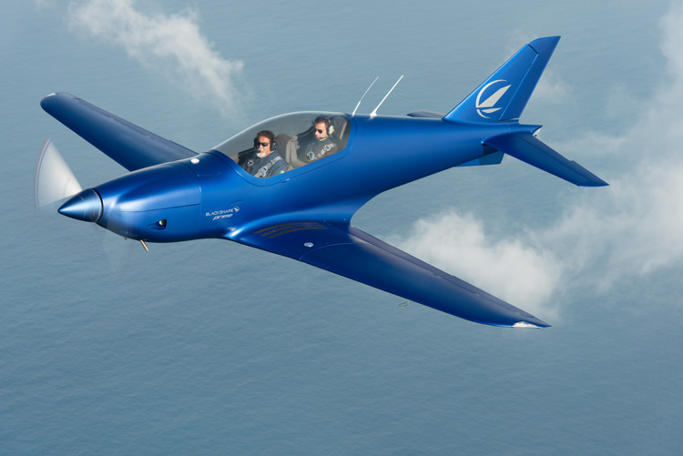 "The magnificent superlight plane ""made in Puglia"""