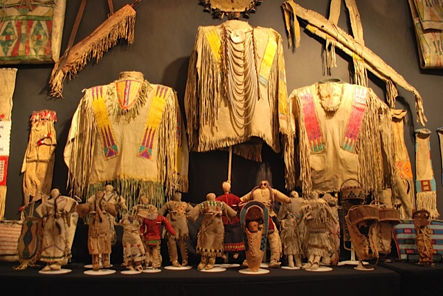 Li Lingue Degli Indiani D America: Whitehawk Antique Shows A Santa Fe Mille Oggetti