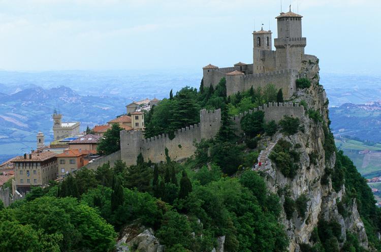 Estremamente San Marino Il fascino della storia tra panorami mozzafiato  NM94
